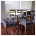 Comedor mesa cubierta de vidrio, banquetas y sillas normando a pedido